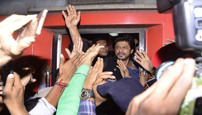 शाहरुख़ खान की रईस के प्रमोशन में भगदड़, एक की मौत