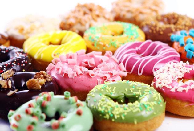 बच्चों के लिये घर में ही तैयार करें डोनट