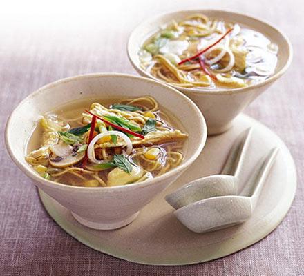 बच्चों के लिये बनायें हेल्दी नूडल्स सूप