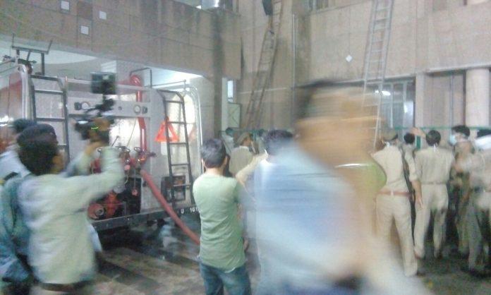 KGMU के ट्रॉमा सेन्टर में भीषण आग, 6 की मौत, CM योगी ने दिए जांच के आदेश