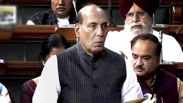 संसद ؛ विदेशी दौरे पर बिना सुरक्षा के जा रहे हैं राहुल-राजनाथ