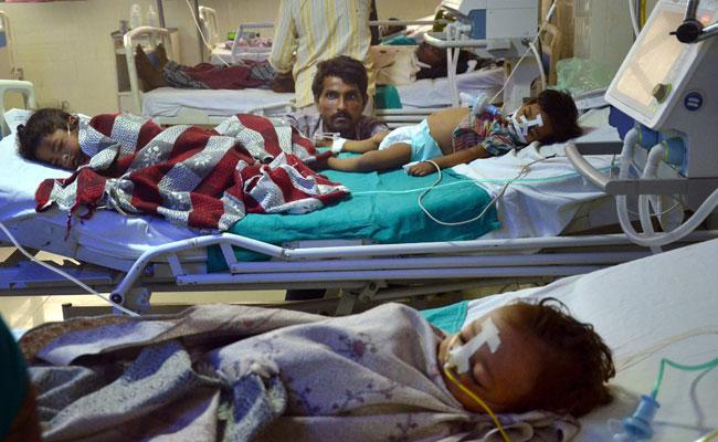 गोरखपुर के बीआरडी अस्पताल में 48 घंटों में 36 बच्चों की मौत