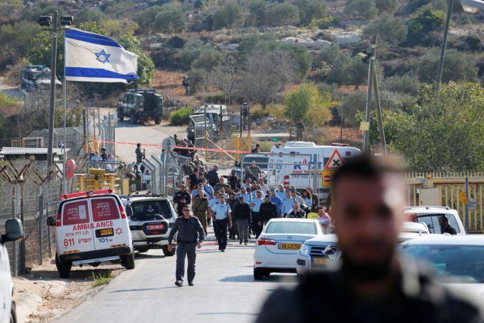 फलस्तीनी बंदूकधारी ने इस्राइली बस्ती में की तीन व्यक्तियों की हत्या