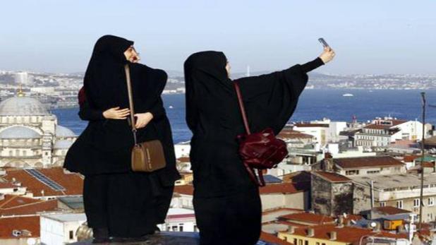 सोशल साइट पर मुस्लिम महिलाओं की फोटो अपलोड करने के खिलाफ फतवा