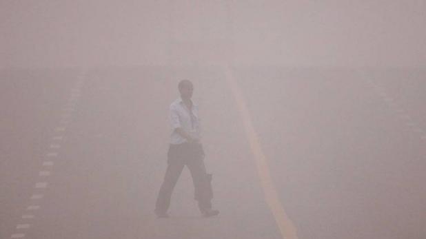 दिल्ली को ज़हरीली धुंध कुवैत की धूल और पाकिस्तान के कोहरे से मिली