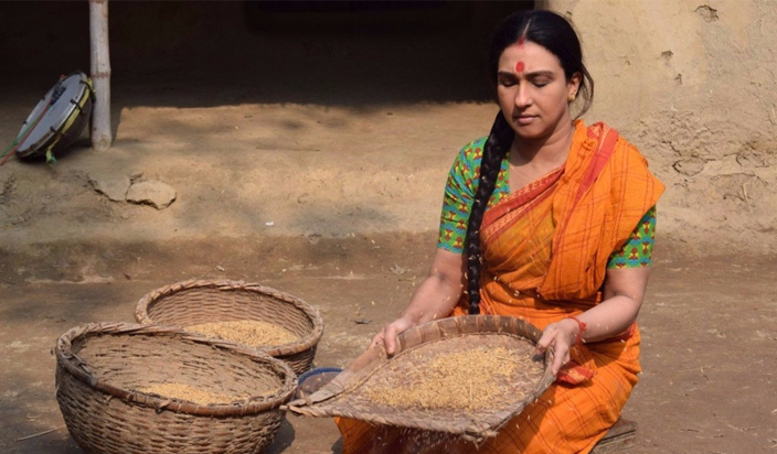 हिंदू संगठन ने बांग्ला फिल्म 'रोंग बेरोंगेर कोरी' के खिलाफ किया प्रदर्शन