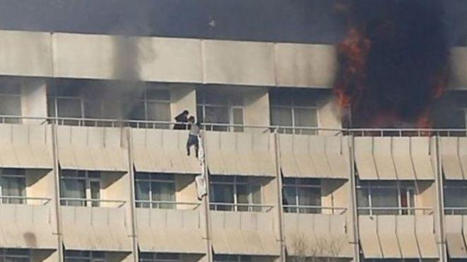 26/11 की तरह आतंकियों ने बनाया लग्जरी होटल को निशाना, 43 की मौत