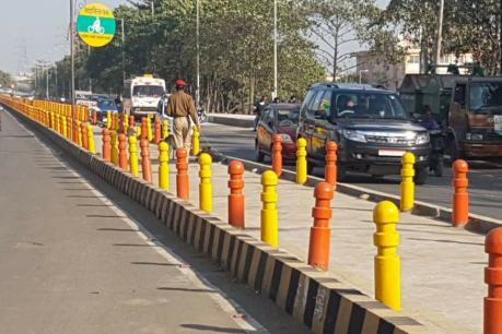Lucknow : साइकिल ट्रैक, पार्कों और डिवाइडरों पर चढ़ा योगी का भगवा रंग