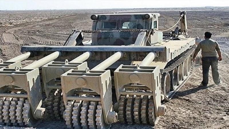 ईरान ने बनाया बारूदी सुरंगों को नष्ट करने वाला अनोखा वाहन