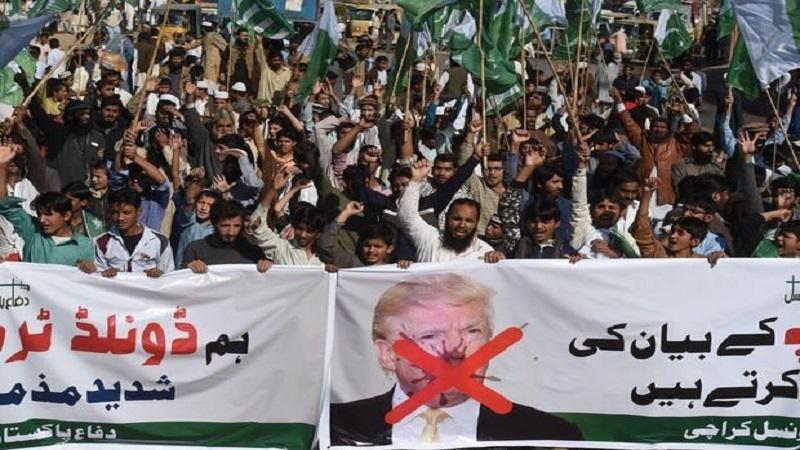 पाकिस्तान के कई शहरों में अमेरिकी राष्ट्रपति ट्रम्प के ख़िलाफ़ ज़ोरदार प्रदर्शन