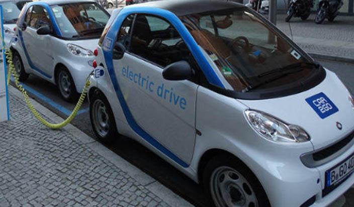 इलेक्ट्रिक वाहनों के विकास के लिए किसी नीति की जरूरत नहीं