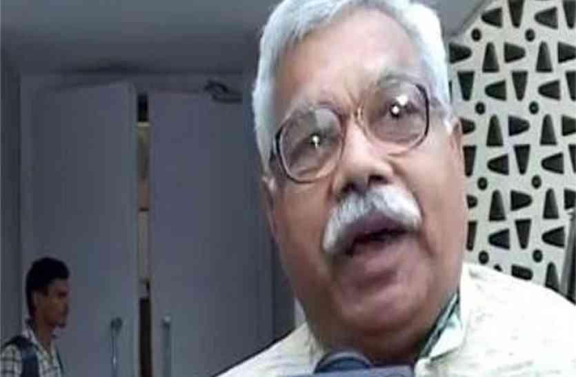संघी भेडियों को बॉर्डर भेजा जाए- डॉ. रमेश दीक्षित