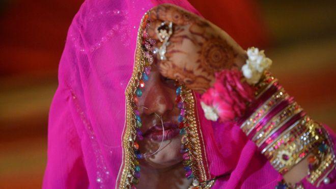 Pakistan : सोशल मीडिया पर मुलाक़ात - किरन बाला से अमीना बीबी बनने के बाद की आप बीती