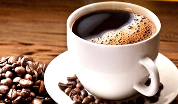 दिल की बीमारी से रहना है दूर तो करें कॉफी और चाय का सेवन