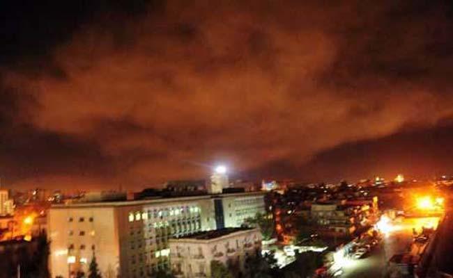 ट्रंप के आदेश के बाद सीरिया पर अमेरिका फ़्रांस और ब्रिटेन ने दागी मिसाइलें