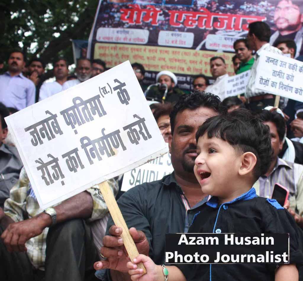 राजस्थानः अंबेडकर, गांधी और अब नेहरू - महान नेता की मूर्ति के साथ छेड़छाड़, गले में पहनाया टायर