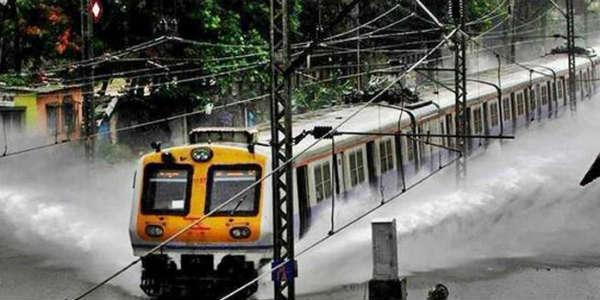 मुंबई: 'तबाही की बारिश' का अलर्ट, चेतावनी के बाद एनडीआरएफ की 3 टीमें तैनात