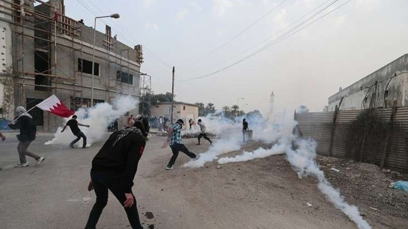 आले ख़लीफ़ा के अत्याचारों के ख़िलाफ़- बहरैन में क़ैदियों की रिहाई के लिए ज़बरदस्त विरोध प्रदर्शन