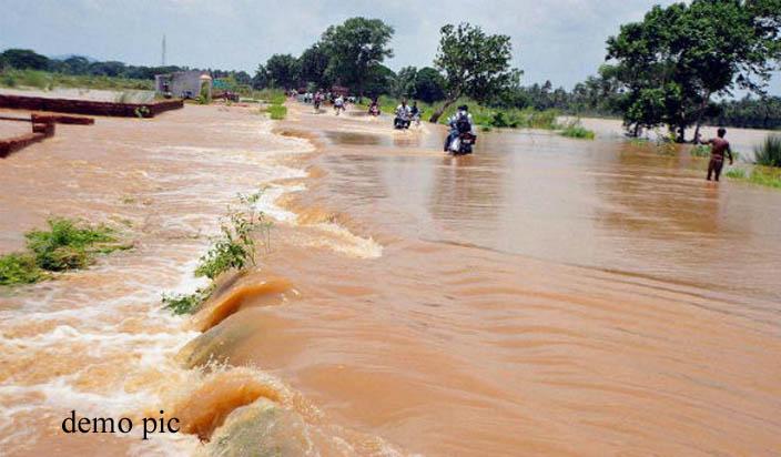 कश्मीर :झेलम नदी का जल स्तर खतरे के निशान पर, अलर्ट जारी