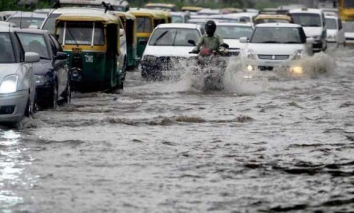 देश के इन हिस्सों में भारी बारिश की चेतावनी