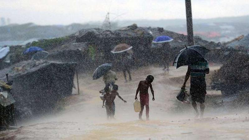 रोहिंग्या शरणार्थियों को अब बारिश से जान का ख़तरा