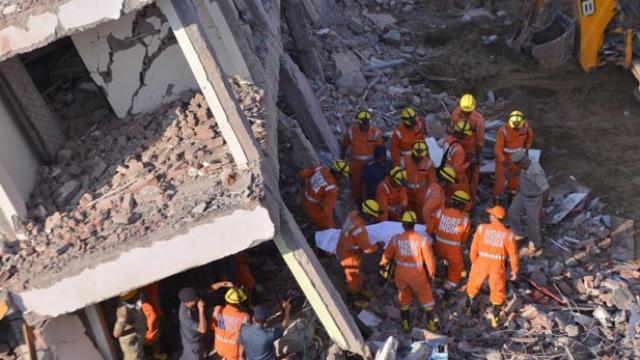 ग्रेटर नोएडा: अवैध निर्माण में सख्त हुवा प्राधिकरण | 21 इमारतों को 7 दिन में ढहाने का आदेश जारी