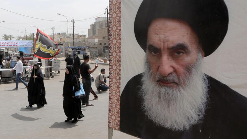 इराक़ के दक्षिण में होने वाले प्रदर्शनों में सऊदी शासन का हाथ है : आयतुल्लाह सीस्तानी