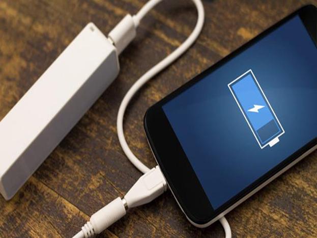 इन 5 गलतियों की वजह से खराब होती है स्मार्टफोन की बैटरी