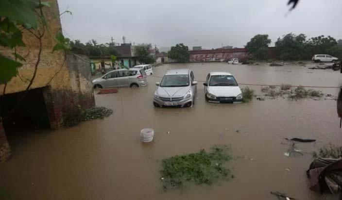 पांच राज्यों में बारिश, बाढ़ से 465 लोगों की मौत