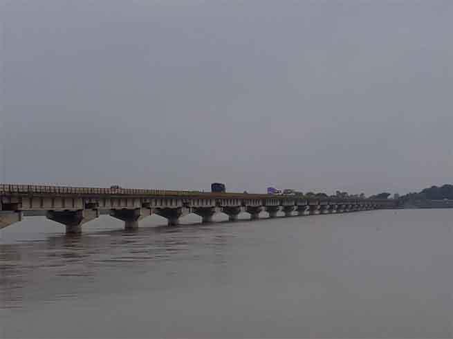 जोरदार बारिश से आम जनजीवन अस्त-व्यस्त: उत्तर प्रदेश में 58 की मौत, दिल्ली में यमुना खतरे से ऊपर