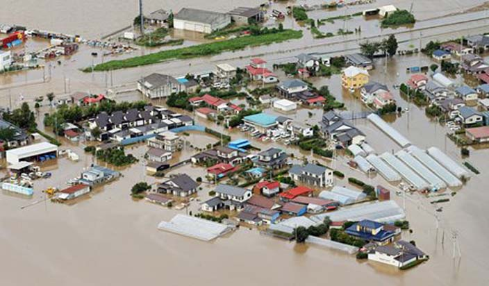जापान: बाढ़ प्रभावित इलाकों का दौरा करेंगे शिंजो आबे