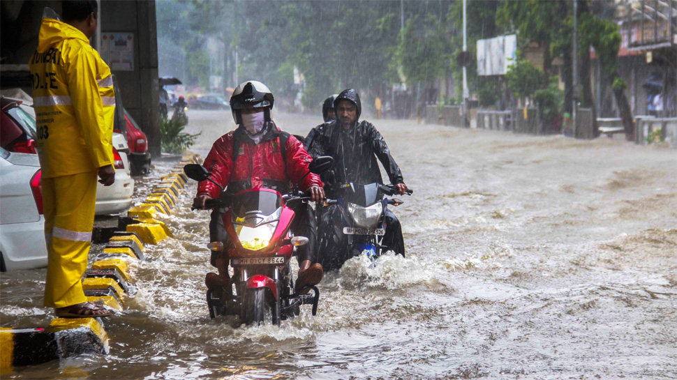 मुंबई में आज मुसीबत की बारिश