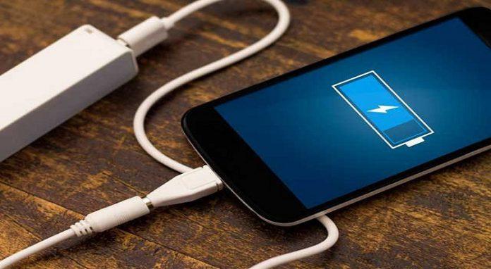 सावधान, होशियार, ख़बरदार - स्मार्ट फोन की बैटरी से भी आपकी जासूसी की जा सकती है