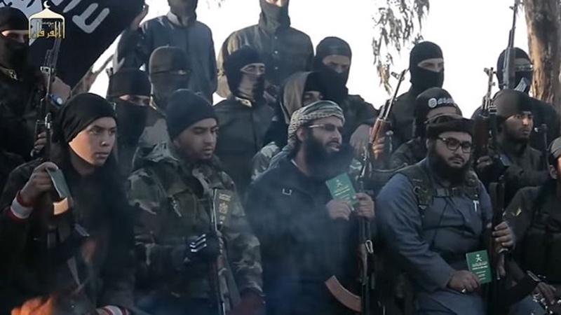 अफ़ग़ानिस्तान, दाइश के खूंख़ार कमांडर सहित 150 आतंकवादियों का आत्मसमर्पण