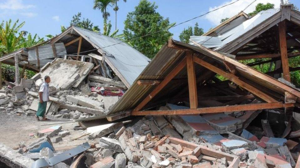 इंडोनेशिया में भूकंप से 82 लोगों की मौत, सैकड़ों जख्मी