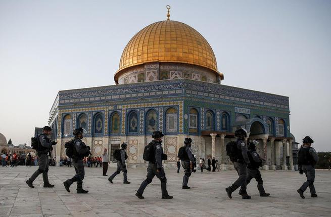 लहूलहान मस्जिदुल अक़्सा, पवित्र मस्जिद पर ज़ायोनियों के हमलों का इतिहास
