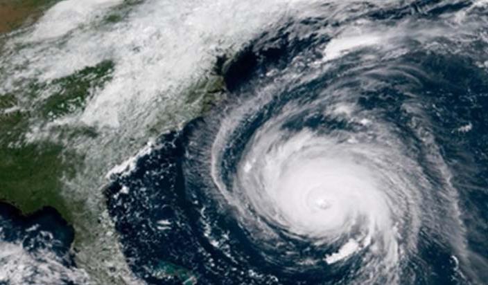 अमेरिका:फ्लोरेंस तूफान ने मचाई तबाही, चार लोगों की मौत